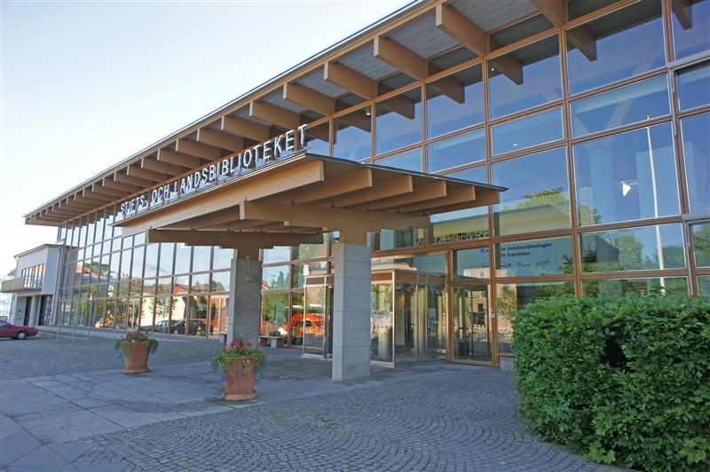 stadsbiblioteket linköping öppettider